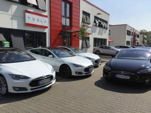 Tesla Aussen (3)