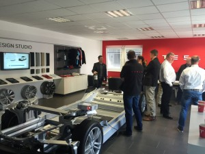 Tesla Innen (2)