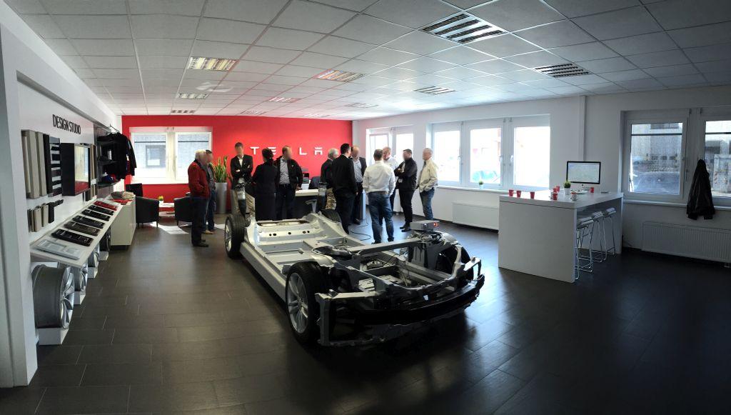 Tesla Innen Panorama